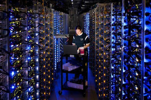 에너지 쓰는 만큼 아낀다… IT공룡이 전력소모 줄인 비결은?