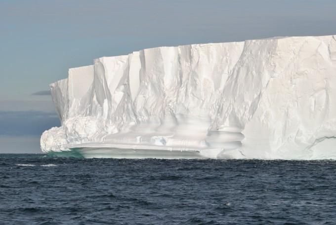 남극 빙붕이 남극 빙하로 따뜻한 물이 흘러들어오는 것을 막는 방패 역할을 한다는 사실이 밝혀졌다. 예테보리대 제공