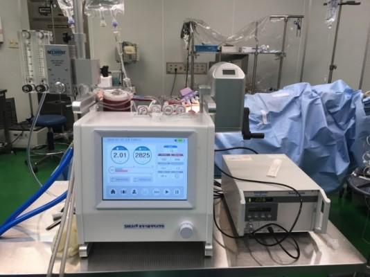 코로나19 환자 치료에 쓰이는 인공심폐기 '에크모' 국산화