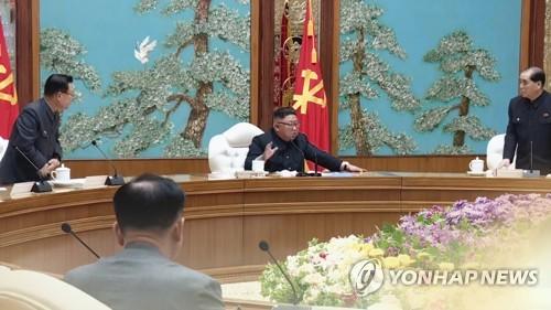 코로나 장기전 돌입 북한, 지침위반에 경고장…