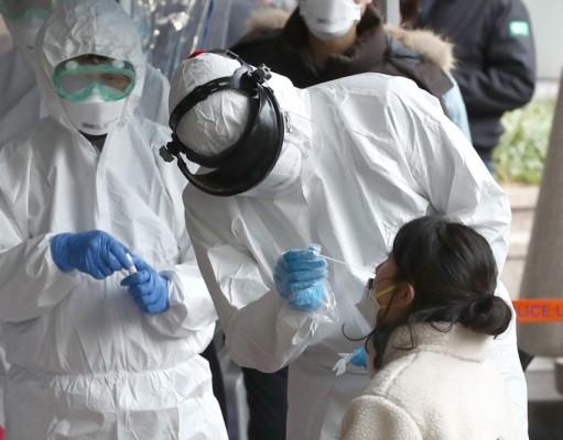 '퉤' 코로나19 타액검사법은 검사속도·의료진 감염·의료장비 낭비 잡을 게임체인저?