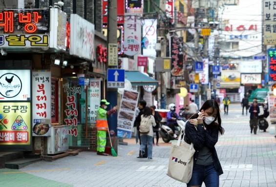 코로나19 국내 신규환자 13명...서울은 2월 18일 이후 첫 환자 0명