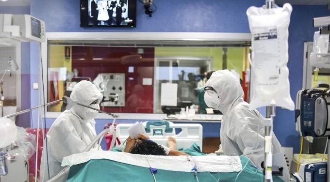 질본은 긴급하게 수술이나 분만이 필요할 경우 1시간 내 코로나19 감염 여부를 가리는 긴급 RT-PCR 검사법을 도입한다고 26일 밝혔다.연합뉴스 제공