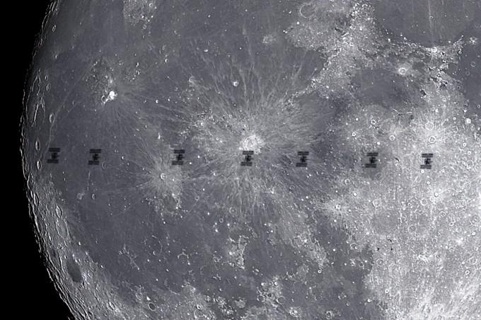 은상 수상작 ′ISS Moon Transit(이시우)′ 국제우주정거장이 월면을 통과하는 순간을 담은 사진이다. 청소년/꿈나무상을 동시 수상하기도 했다. 천문연 제공