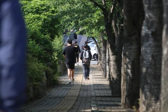 코로나19 신규환자 '들쑥날쑥' 하루 발생 다시 20명대…학교서 유증상 262명