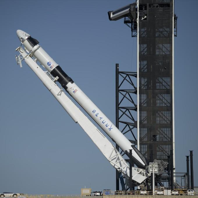 美 유인 우주선 9년만에 쏜다...민간 유인우주선 첫 시험무대