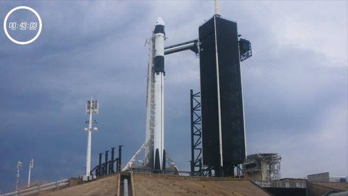미국항공우주국(NASA)과 스페이스X가 시도한 미국 내 9년 만의 유인우주선 발사 계획이 기상 문제로 발사 40분 전 연기됐다. 다음 발사는 이틀 뒤인 30일 새벽 4시 22분(한국시간)이 될 예정이다. NASA 제공