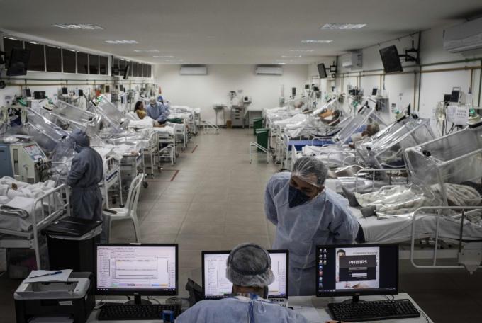 코로나19 환자 가득찬 브라질 병원 집중치료실. EPA=연합뉴스 제공