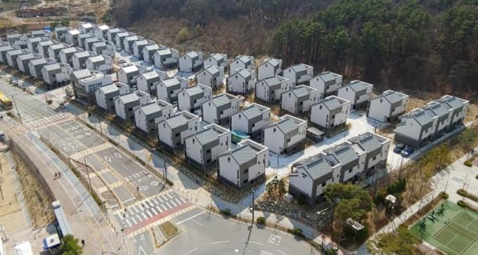 세종시 로렌하우스 친환경주택단지다. 삼척시에 구축되는 수소주거단지도 이같은 모습을 띨 것으로 예상된다. 에너지기술연구원 제공.