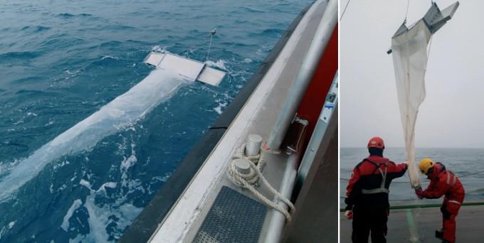 남극세종과학기지 인근 해수를 소규모 그물에 통과시켜 해양 미세플라스틱을 거르고 있다.(왼쪽). 해양 미세플라스틱 조사에는 통상적으로 동물성 플랑크톤 크기인 약 330μm의 그물코를 가진 그물을 사용한다. 김승규 인천대 해양학과 교수가 200μm 크기의 그물코를 가진 그물로 거른 시료를 수거하고 있다.(오른쪽)