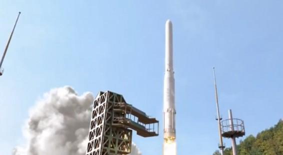 클러스터링·비행모델 등 중대시기 맞은 누리호 개발…첫 발사 예정보다 4~6개월 뒤로