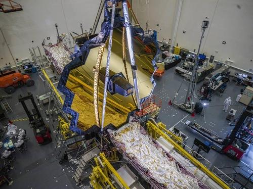 '우주 더 멀리, 더 깊이' 제임스 웹 우주망원경 배치 더 연기
