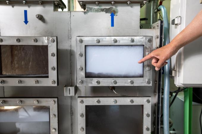 한국이엔지가 개발한 흡송 기술은 빨아들인 공기가 물을 통과해 나올때 부딪히게 함으로써 미세기포를 만들어낸다. 한국생산기술연구원 제공