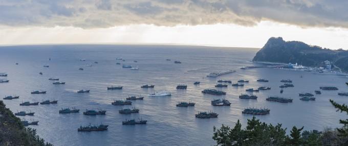 동해 불법 조업 주범 中 '암흑선단' 국제-위성-AI 공조로 찾는다