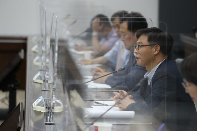 정병선 과기정통부 1차관이 바이오 디지털 뉴딜 관련 현장소통 간담회를 진행하고 있다. 과기정통부 제공.