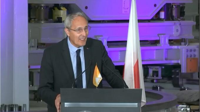 28일 낮(현지시간) 프랑스 카다라슈 ITER 건설 현장에서 기자회견에 나선 베나르 비고 ITER 국제기구 사무총장의 모습이다. 기자회견 영상 캡쳐
