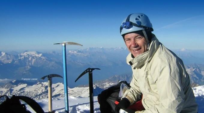 장거리 달리기가 취미인 프랑수와 로저 교수. 알프스산맥의 최고봉인 몽블랑 정상에서 촬영했다. François Loeser 제공
