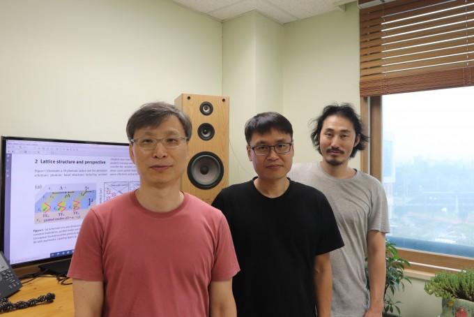 연구를 이끈 GIST 연구진이 한 자리에 모였다. 왼쪽부터 기철식 수석연구원, 이성구 연구원, 김성한 연구원이다. GIST 제공