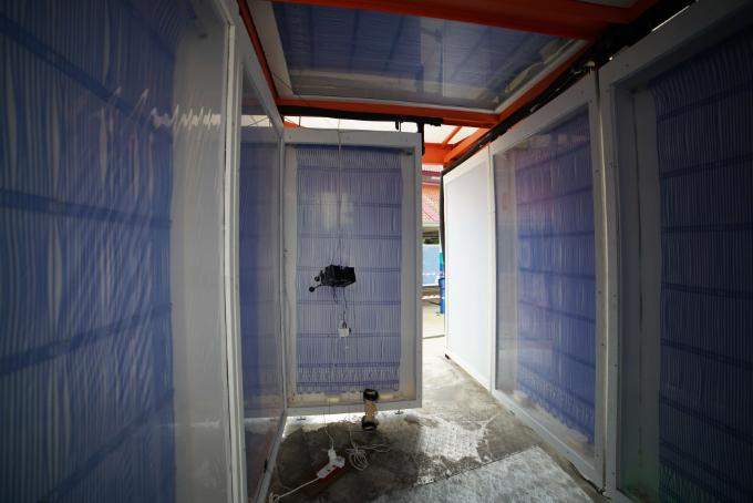 냉방 튜브의 내부 모습이다. 벽체 속에 냉각수가 흐르는 관로를 설치한 다음 벽에 결로가 맺히지 않도록 특수 막을 제작해 벽체를 감쌌다. 취리히연방공대 싱가포르분원 제공