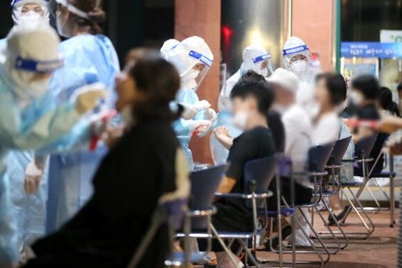 코로나19 신규 환자 371명…전국 17개 시도서 환자 발생