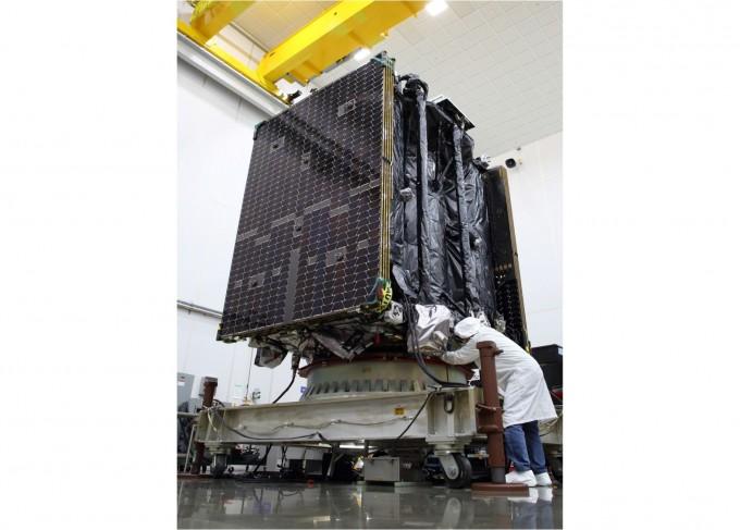 발사되기 전 최종 점검을 진행하고 있는 MEV-2의 모습이다. 노스롭 그루먼 제공