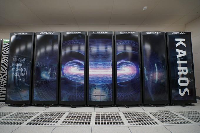 국가핵융합연구소의 핵융합 연구 전용 슈퍼컴퓨터 ′카이로스′가 이달 24일부터 본격적으로 가동된다. 국가핵융합연구소 제공