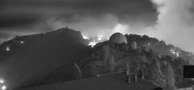 화염에 휩싸인 것처럼 보이는 릭 천문대. 릭 천문대 제공.