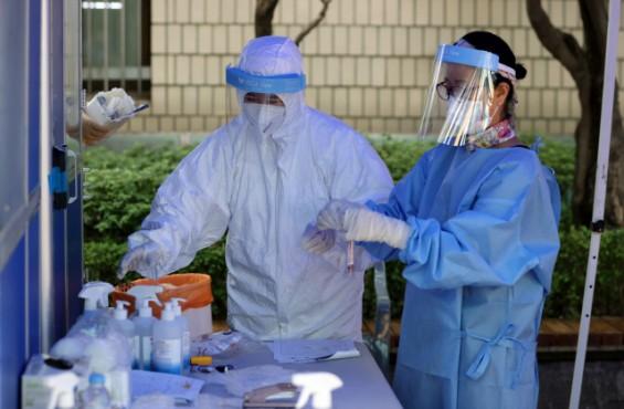 코로나19 환자 126명 늘어난 2만 2783명…교회·요양원·공장·학교 등 곳곳서 집단감염