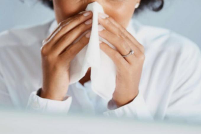 독감과 코로나19에 걸렸을 때 공통적으로 나타나는 증상 중 하나는 기침이다.