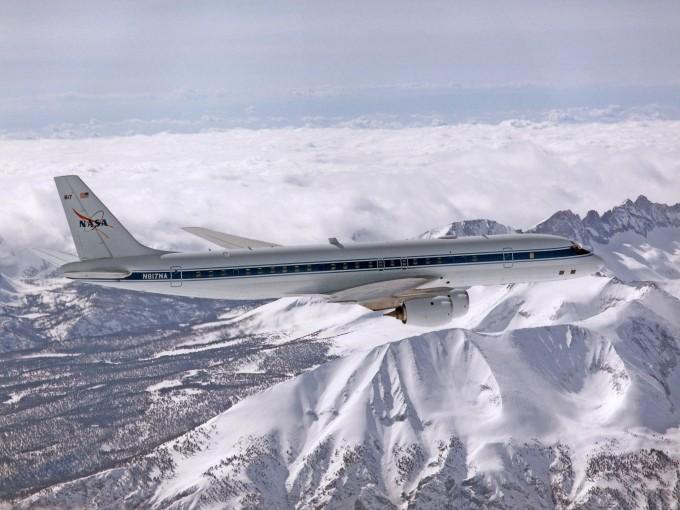 캘리포니아주 시에라네바다 산맥에 눈이 쌓여 있다. NASA 제공