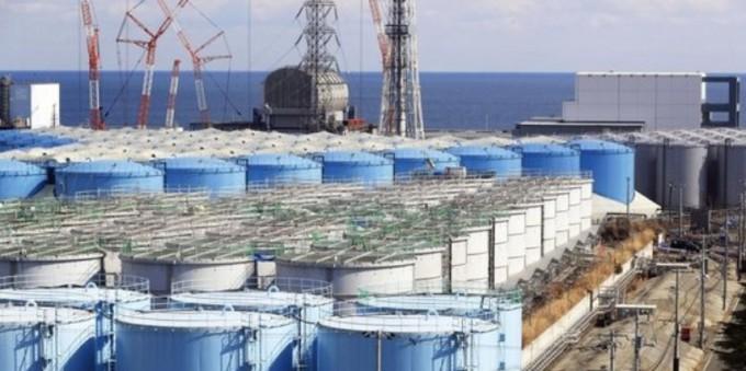 후쿠시마 제1원전 부지에 오염수를 담아둔 대형 물탱크가 늘어서 있다. 연합뉴스 제공