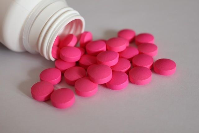 이부프로펜 성분이 포함된 비스테로이드성 소염진통제(엔세이드)가 신종 코로나바이러스 감염증(코로나19)을 악화시키지 않는다는 연구 결과가 나왔다. Pixabay 제공