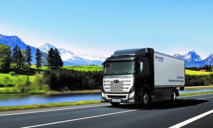 현대자동차가 6월 스위스에 수출한 수소트럭. 현대자동차 제공