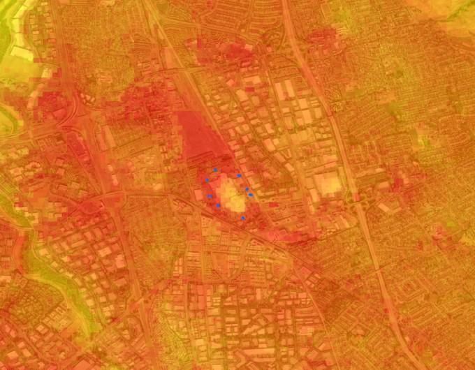 미국의 랜드샛 위성이 촬영한 캘리포니아주 산타클라라 카운티 밀피타스의 그레이트 몰 주변 위성지도다.