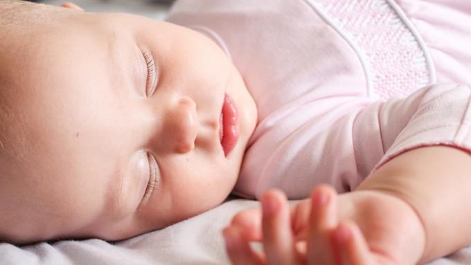 약 30개월을 전후로 잠을 잘 때 렘수면 단계에서 뇌의 작용이 급격히 바뀌는 것으로 드러났다. Pixabay 제공