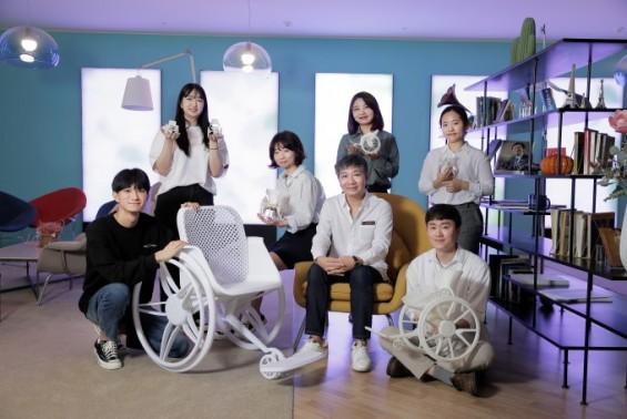 환자 타는 휠체어 가볍고 세련되게 바뀐다