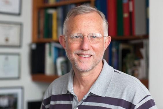 30년전 C형 간염 바이러스 연구자, 코로나19와 싸운다