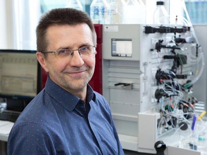 크리스퍼 유전자가위 개념을 최초로 고안한 전문가 중 한 명인 비르기니우스 식스니스 리투아니아 빌니우스대 교수는 이번 노벨상 수상자 명단에서 빠졌다. 빌니우스대 제공
