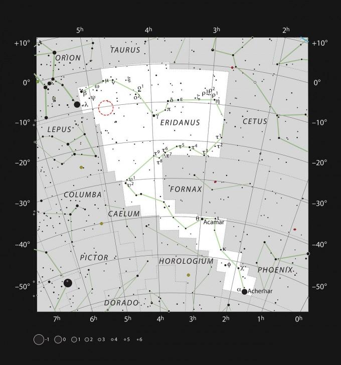이번에 관측한 AT2019qiz의 위치를 빨간 점선 원으로 표시했다. 남반구의 별자리 에리다누스 중간에 위치한다. ESO 제공