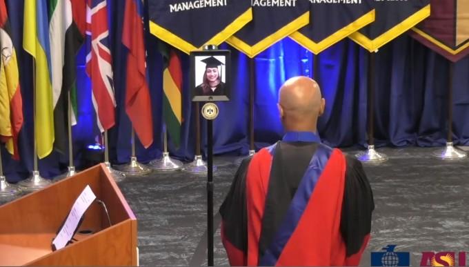 미국 애리조나주립대 썬더버드경영대학원의 아바타 졸업식. 애리조나주립대 제공