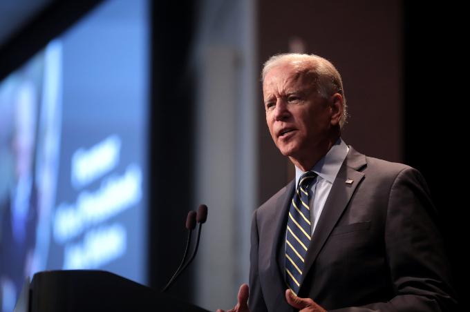 조 바이든 미국 대통령 후보는 국민투표에서 52%를 득표해야 선거인단 투표에서 당선될 확률이 75%가 되는 것으로 나타났다.