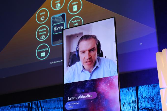 제임스 앨더다이스 링크(Lynk) 아시아 담당 부사장이 13일 서울 용산구 블루스퀘어 카오스홀에서 열린 '뉴스페이스코리아 업리프트 2020'에서 발표를 하고 있다. 뉴스페이스코리아업리프트 제공