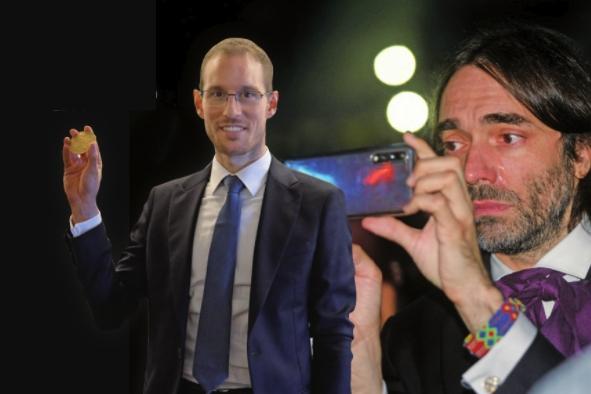 2018년 리우데자네이루 세계수학자대회에서 제장ㄴ 피칼리 교수(왼쪽)가 필즈상을 받자 감격한 나머지 눈물을 흘리는 빌라니 교수(오른쪽)의 모습입니다. 얼마나 기뻤으면 눈물이 났을까요 찿ㅁ고로 빌라니 교수는 2010년 필즈상을 받았습니다. 수학동아DB