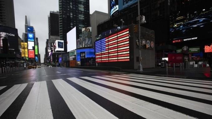 코로나19 여파에 텅 빈 뉴욕 타임스스퀘어의 모습이다. 연합뉴스 제공