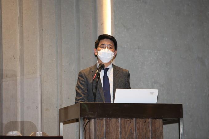이혁 과학기술정책연구원(STEPI) 부연구위원이 9일 서울 양재 엘타워에서 열린 ′2020 STEPI 국가난제 연구 성과보고회′에서 환경 분야 국가 난제 중 하나인 생활 폐기물 문제에 대한 연구 결과를 발표하고 있다. STEPI 제공