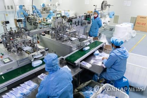 '코로나 특수' 중국, 전세계에 마스크 58조원어치 팔았다