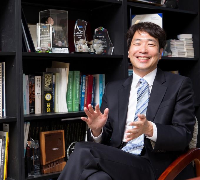 김범준 KAIST 생명화학공학과 교수가 이달의 과학기술인상 1월 수상자로 선정됐다. 과학기술정보통신부 제공