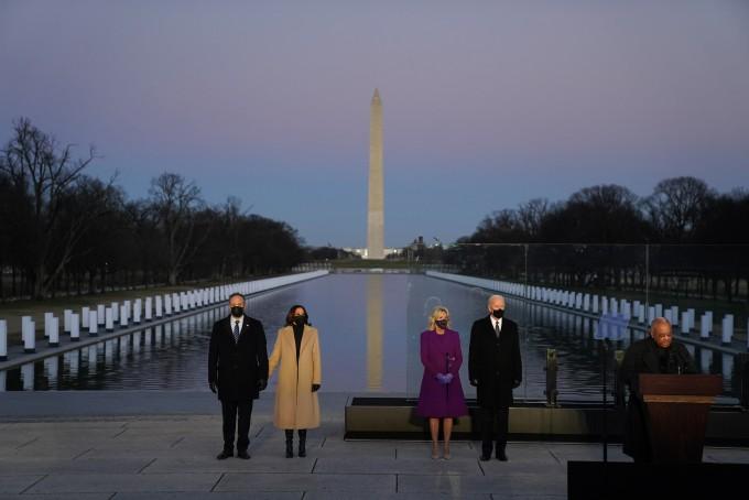[美 바이든 취임 D-1] 트럼프 마지막 날, 코로나19 사망자 40만 명 넘었다
