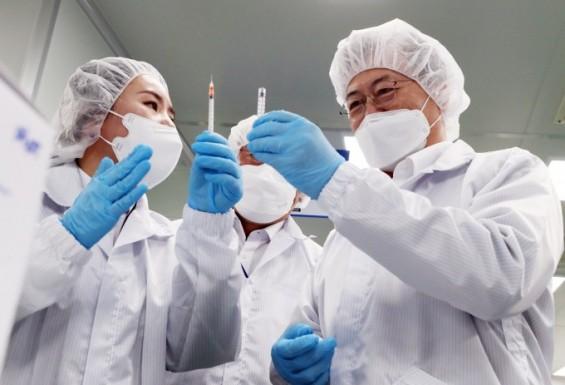 정부, 내년 국산 1호 백신 접종…백신·치료제 등에 2627억 원 투입