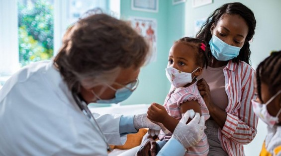 식약처 백신 접종권고 연령군에 아동 ·청소년 빠진 이유